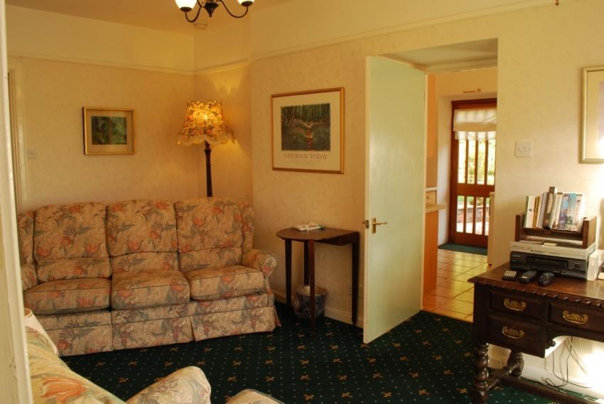 River Suite sitting room